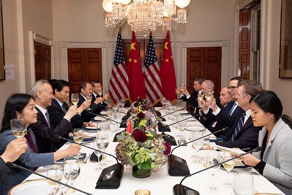 Delegaciones de EEUU y China en la 13ª ronda de negociaciones comerciales (octubre de 2019). Foto: @USTreasury. Official White House photo/Keegan Barber